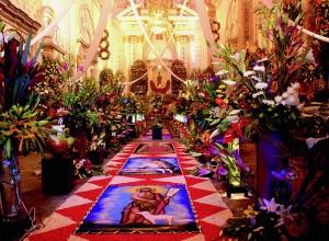 Interior de la Iglesia de San Andrés, el día de su fiesta