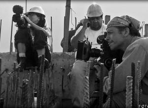 Juan Carlos Rulfo en la filmación de En el hoyo