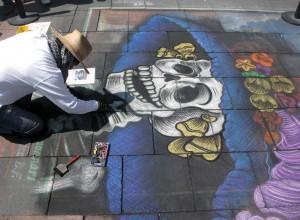 Reproducción urbana de La Catrina en la avenida 5 de mayo