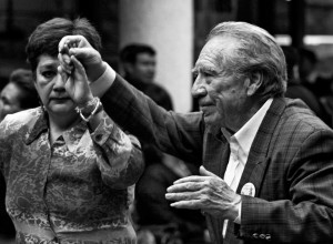 Baile de la tercera edad en los Portales de Toluca