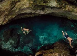 Cenote de la Media Luna.
