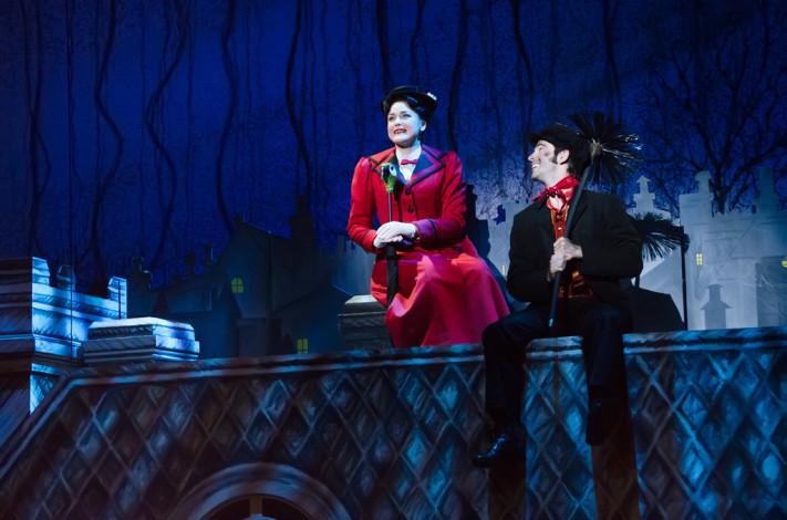 Bianca Marroquín en Mary Poppins © Fernando Cárdenas