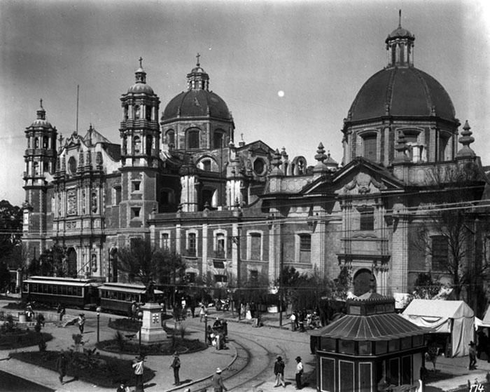 Basílica de Guadalupe © Fondo Guillermo Kahlo, INAH