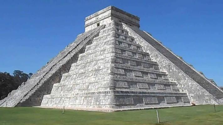 pirámide Kukulcán _1024