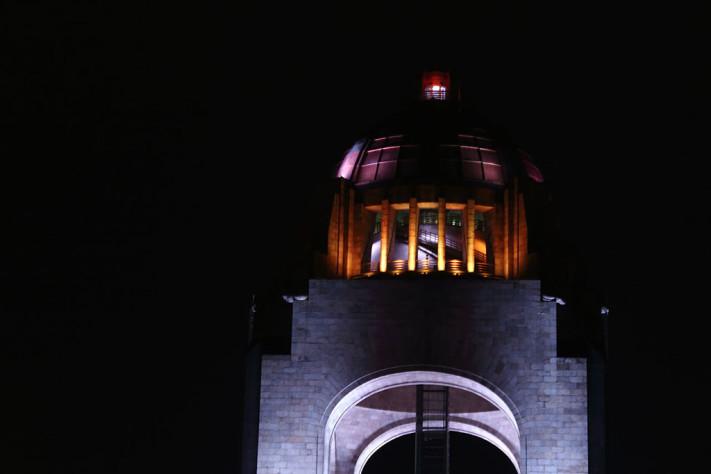 Monumento_por_la_noche_72