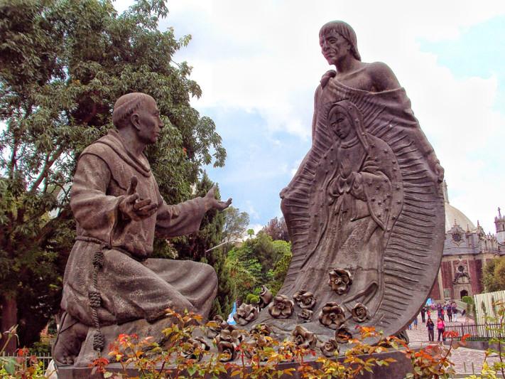 Escultura de Juan Diego en la Basílica de Guadalupe © Luis Jorge