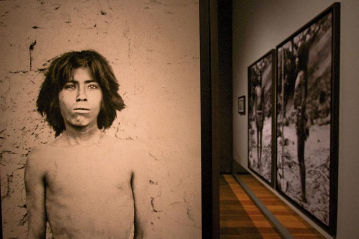 Lunes 16 de mayo de 2016. En el Museo de la Ciudad de México se realizó una conferencia de prensa y recorrido a medios por la exposición Imágenes para ver-te. Una exhbición del racismo en México Fotografía: Milton Martóinez / Secretaria de Cultura CDMX