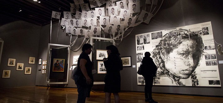 Lunes 16 de mayo de 2016.  En el Museo de la Ciudad de México se realizó una conferencia de prensa y recorrido a medios por la exposición Imágenes para ver-te. Una exhbición del racismo en México  Fotografía: Tania Victoria / Secretaria de Cultura CDMX